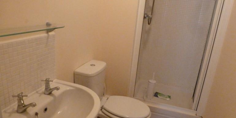 chain_bathroom